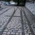 Quais de Saone, à Lyon,avec un bel ensemble de voies imbriquées préservé, dont quelques rares aiguillages à la fois à voie métrique et normale.